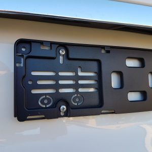 Der Kennzeichenhalter K400 (400mm) für 5-Stellige KFZ-Kennzeichen